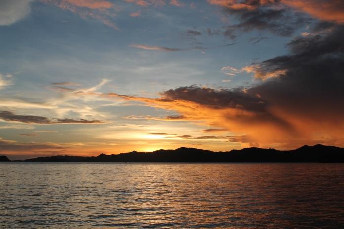 Sunset di malam pertama di Raja Ampat